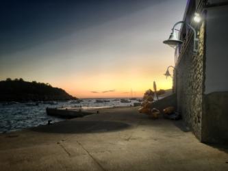 San Telmo Hafen bei Nacht